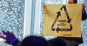 Galaxy Note 7 - Greenpeace débarque à l'évènement Samsung du MWC 2017
