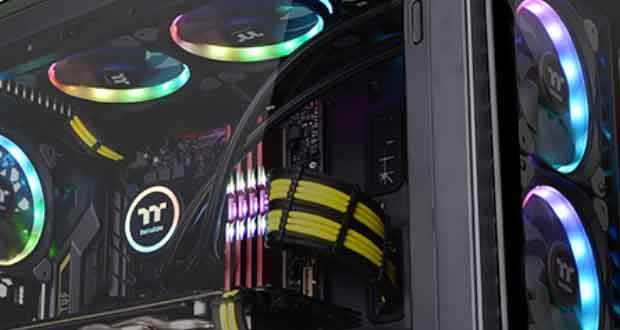 View 32 TG RGB ( View 32 Tempered Glass RGB Edition ) de Thermaltake