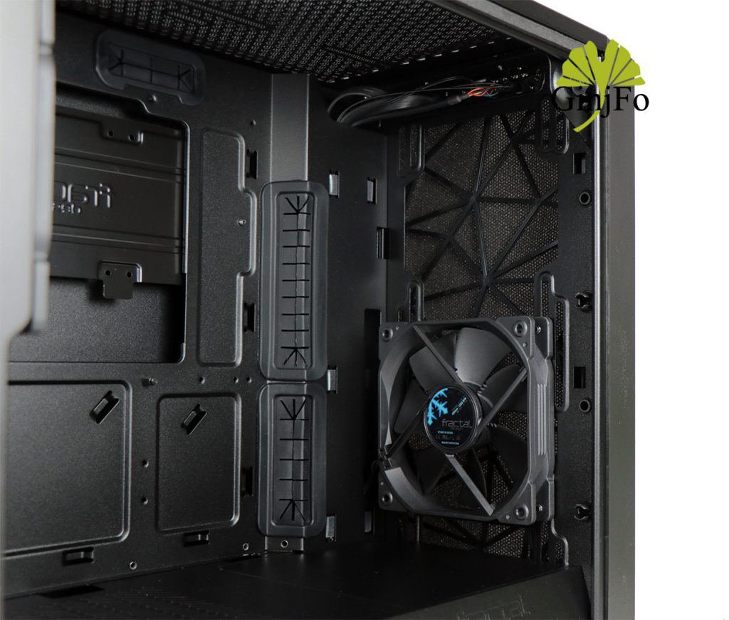Meshify C Mini – Dark TG de Fractal Design