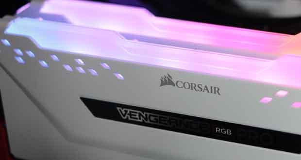 Kit Vengeance RGB Pro 2x8 Go DDR4-3600 MHz