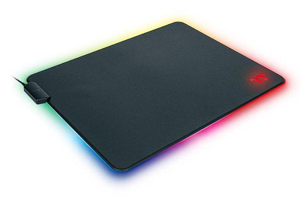Tapis de souris Level 20 RGB Mouse PAD (Hard Edition)