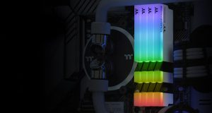 TOUGHRAM DDR4 RGB White Edition de Thermaltake