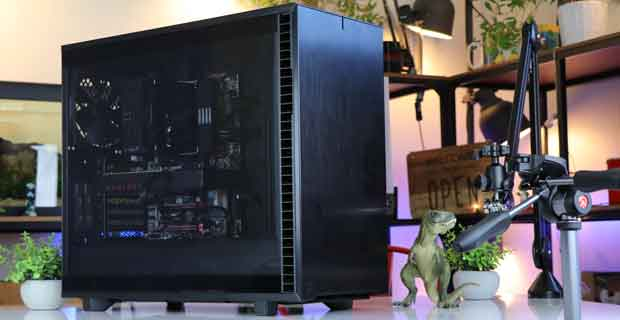 Define 7 Black TG Light Tint de Fractal Design