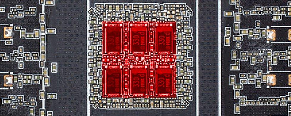 Zotac / Trinity – Source igor'sLAB - POSCAPs (Conductive Polymer Tantalum Solid Capacitors) en rouge