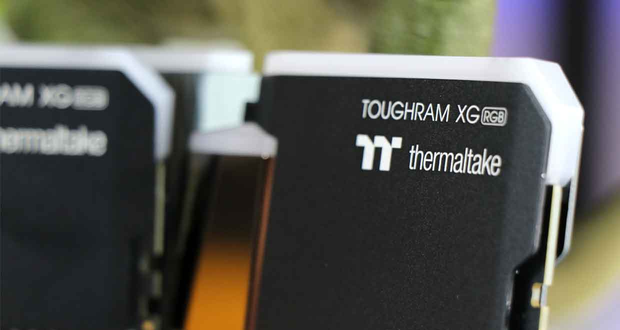 Kit mémoire Thermaltake ToughRAM XG RGB 2 x 8 Go DDR4-3600 CL18